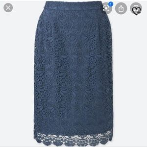 💙UNIQLO Blue Lace Skirt Brand New